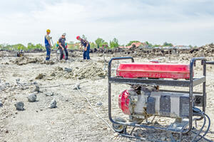 Stromerzeuger, Baustelle